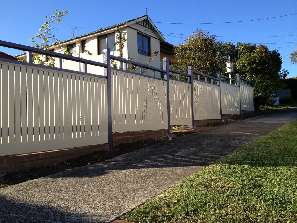 Fence Supplies: Timber Picket Fence Supplies Sydney